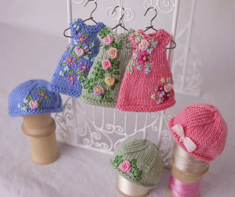 Free Knitting Patterns For Miniature Dolls : What s in Amelia Thimble s Closet? Cindy Rice Designs