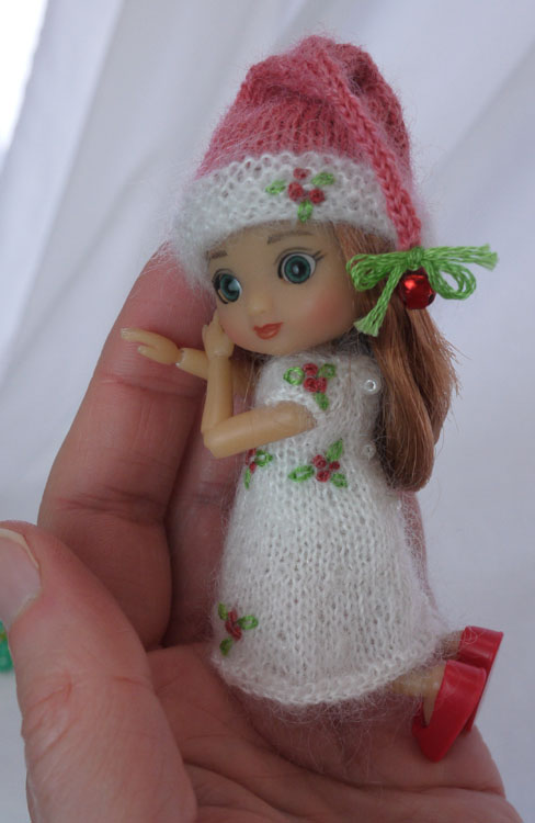 tiny christmas cutie 471