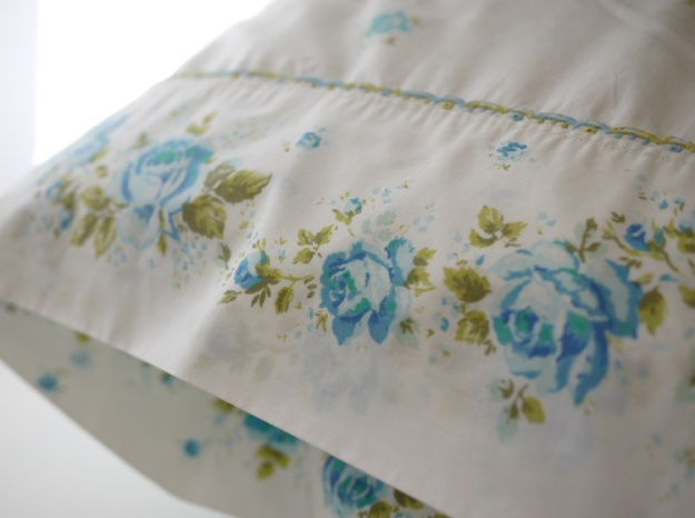 blue rose pillowcase 506