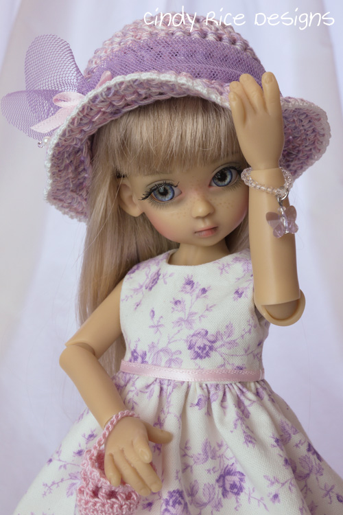 little lady in lilac 205