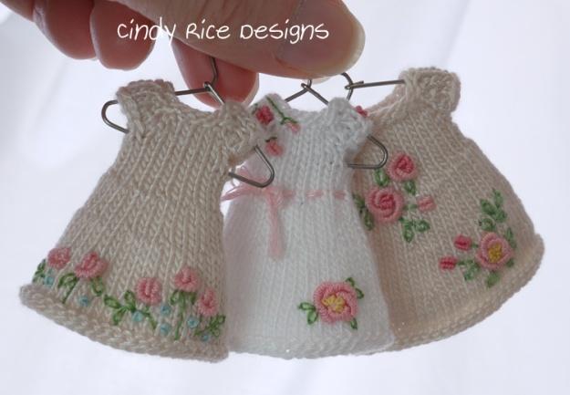 rose garden dresses hangers 409