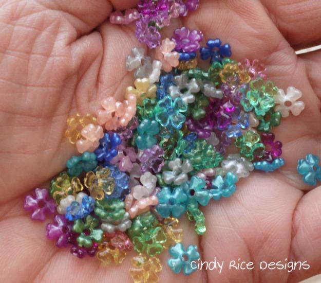 tiny flower beads 809