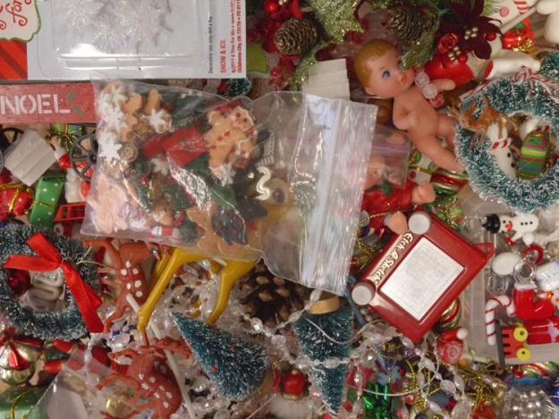 christmas trinkets 066
