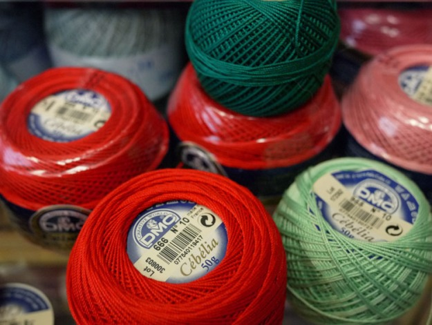 red green thread 077