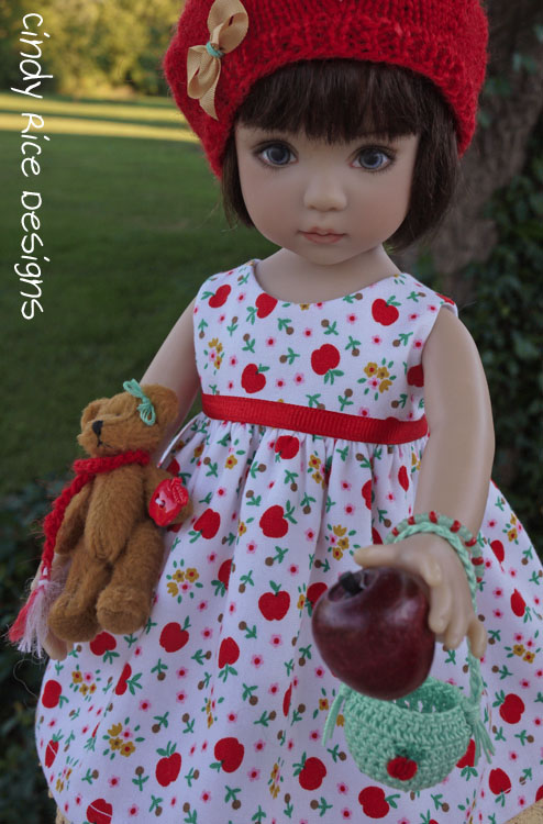 teddy-n-me-and-the-apple-tree-547