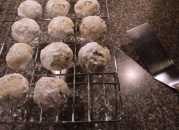 snowball cookies 376