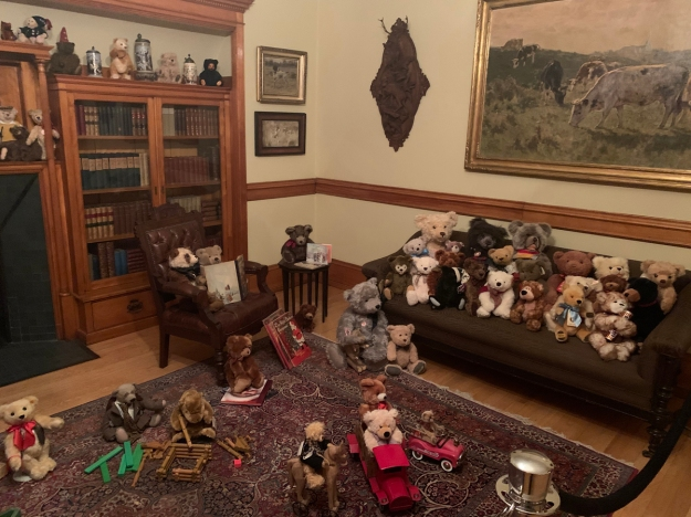 2019 christmas pabst mansion library 4926