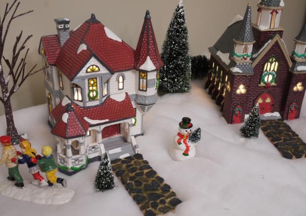 2019 snow village 300