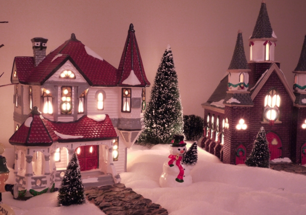 2019 snow village 312