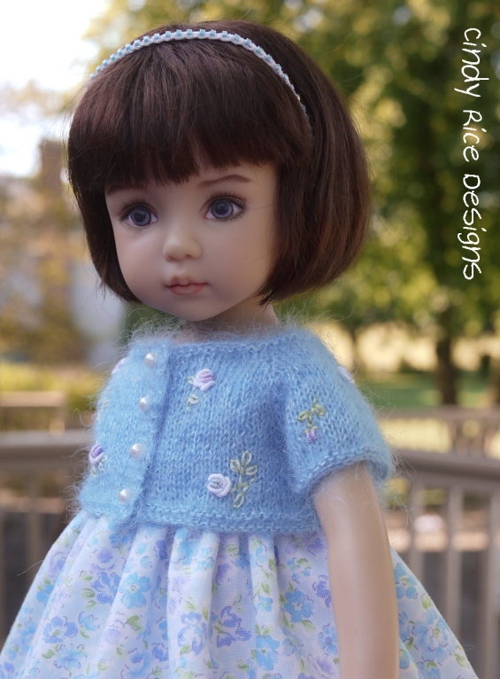 summery blue in the garden 589